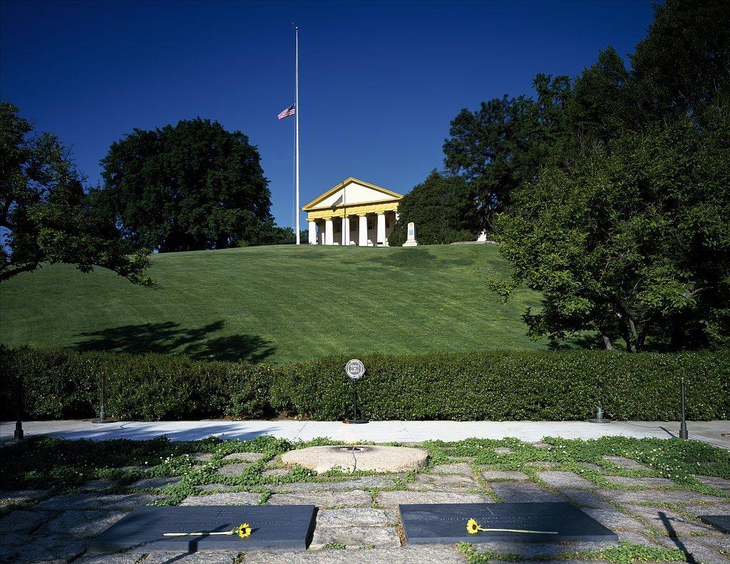 Arlington-House-all-view-washington